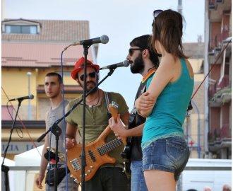 http://www.bredaanancy.com/gallery/live_assud_basilicata/DSC_8038.jpg